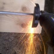 cutting a threaded rod