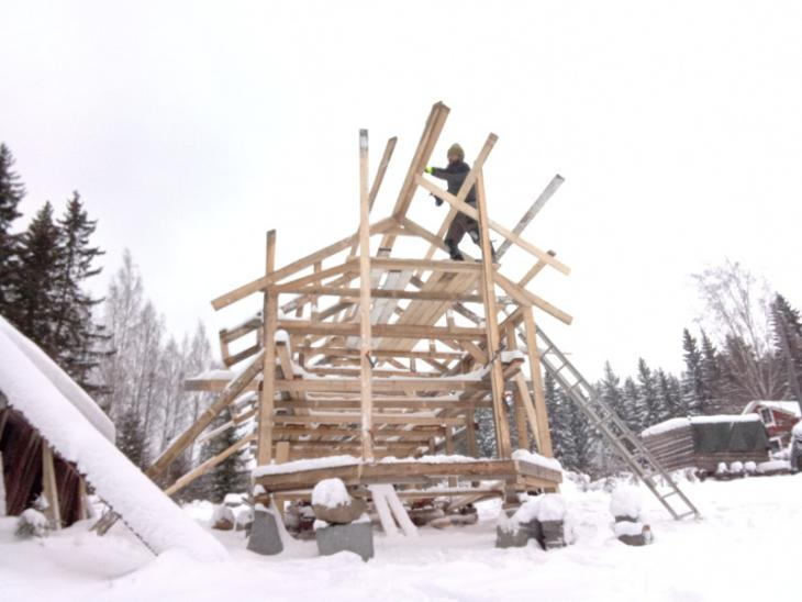 Building the supporting structure for the roof